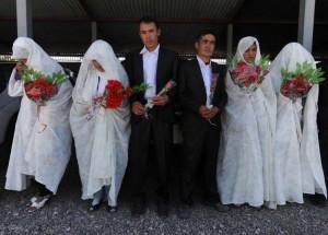 Mass wedding of 100 Afghan couples organized in Daikundi Province
